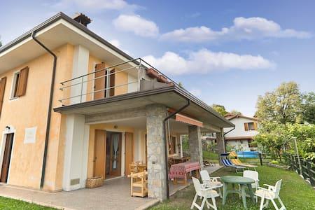 Villa Beatrice House hills Garda - Gavardo-sopraponte