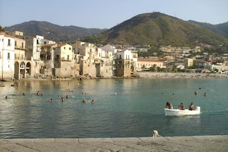 apartment b&b Cefalu, Sicily, Italy, aircondition