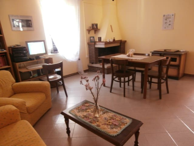 APARTMENT CHEAP LUMINOUS AND QUIET  - Piana di Monte Verna - Wohnung