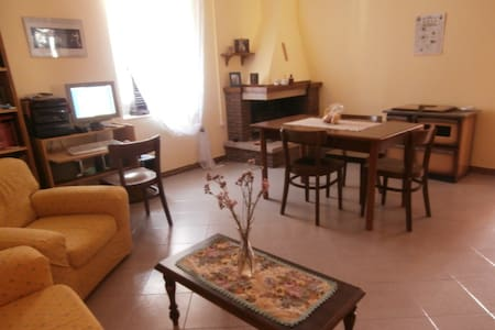 APARTMENT CHEAP LUMINOUS AND QUIET  - Piana di Monte Verna - Daire
