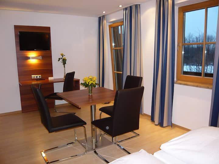 Geräumiges Apartment, 2 Schlafz.