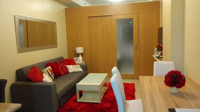 Cozy Room Near Mall of Asia