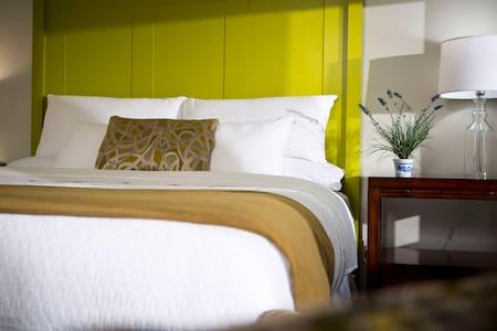 Historic Inn in Manchester, VT - Manchester - Bed & Breakfast