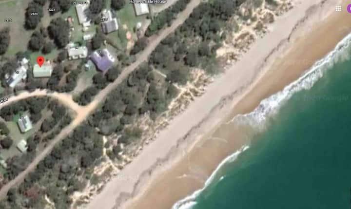 The Honeysuckles Beach House on the 90 Mile Beach