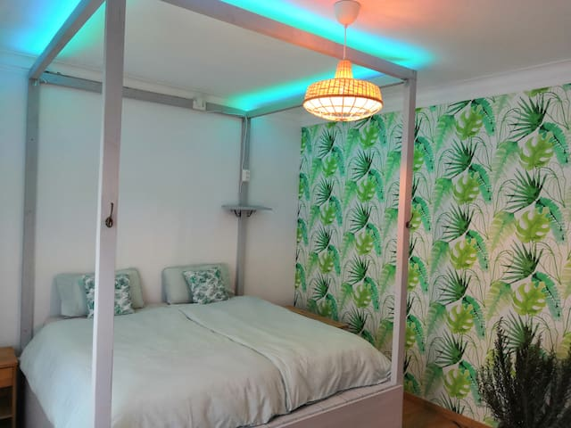 Costa E ༄ Surfgasm Beach House Room for 2