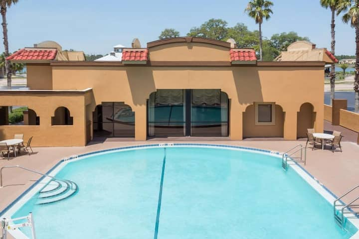 Perfect Find! Four Units for 16, Pool, Parking