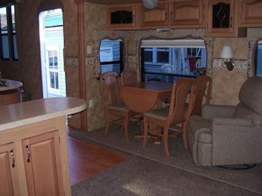 38' Fifth Wheel Camper with 4 slides, full kitchen, full bath, king bed, pull out sofa