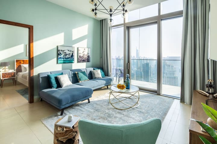 Elegant 1BR with Magnificent Marina Views!