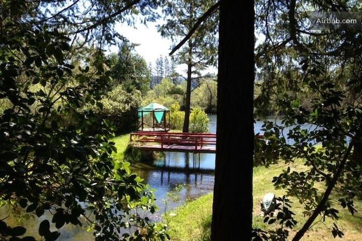 Visit Monkey House/Trinity Alps priv lake