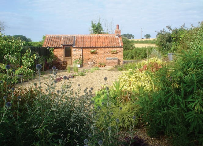 Idyllic Retreat Near Holt, Norfolk - Oulton - 小木屋