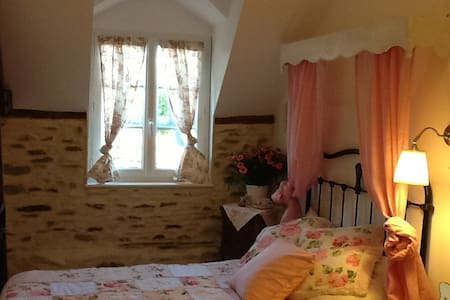 Mont St Michel BnB .. a french life - Inap sarapan