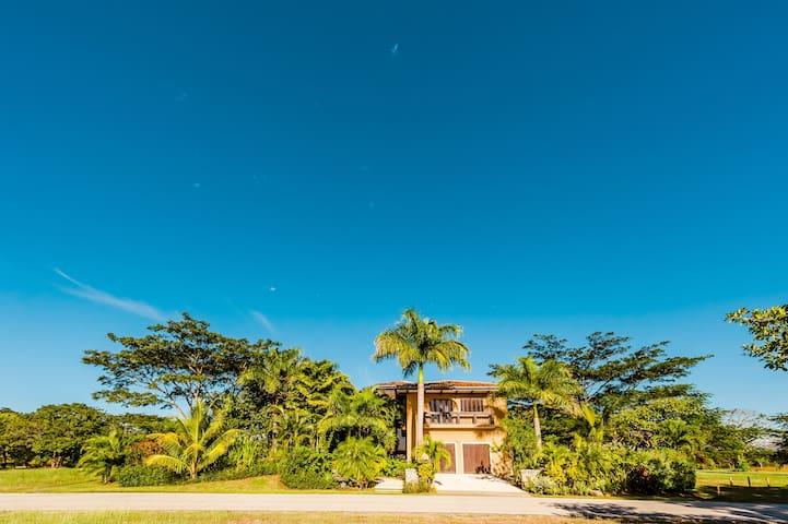 Exclusive golf-front Home in Hacienda Pinilla