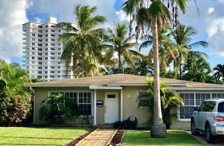 Fort Lauderdale beach house near Sunrise