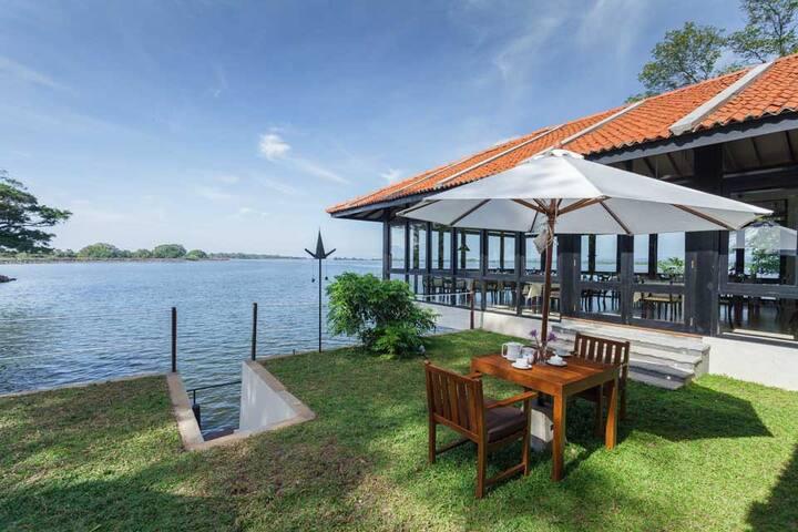 The Lake House - Polonnaruwa - Villa