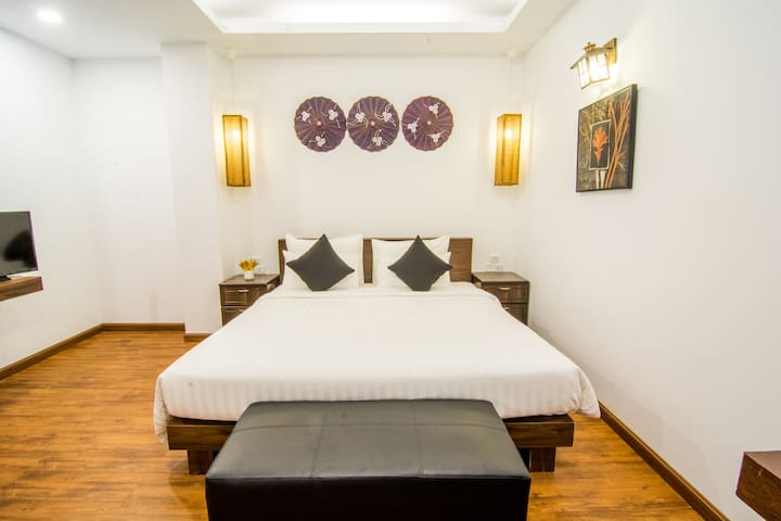 Woodside Inn & Serviced Apartments (Studio Apt.)