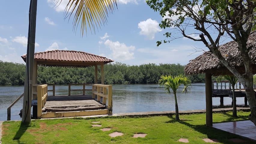 Beach House Costa del sol(Estero)