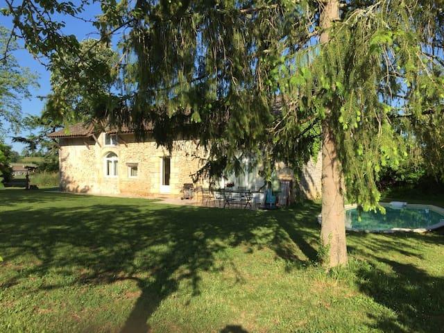 Maison de charme proche de St Emilion - Ruch - Hus