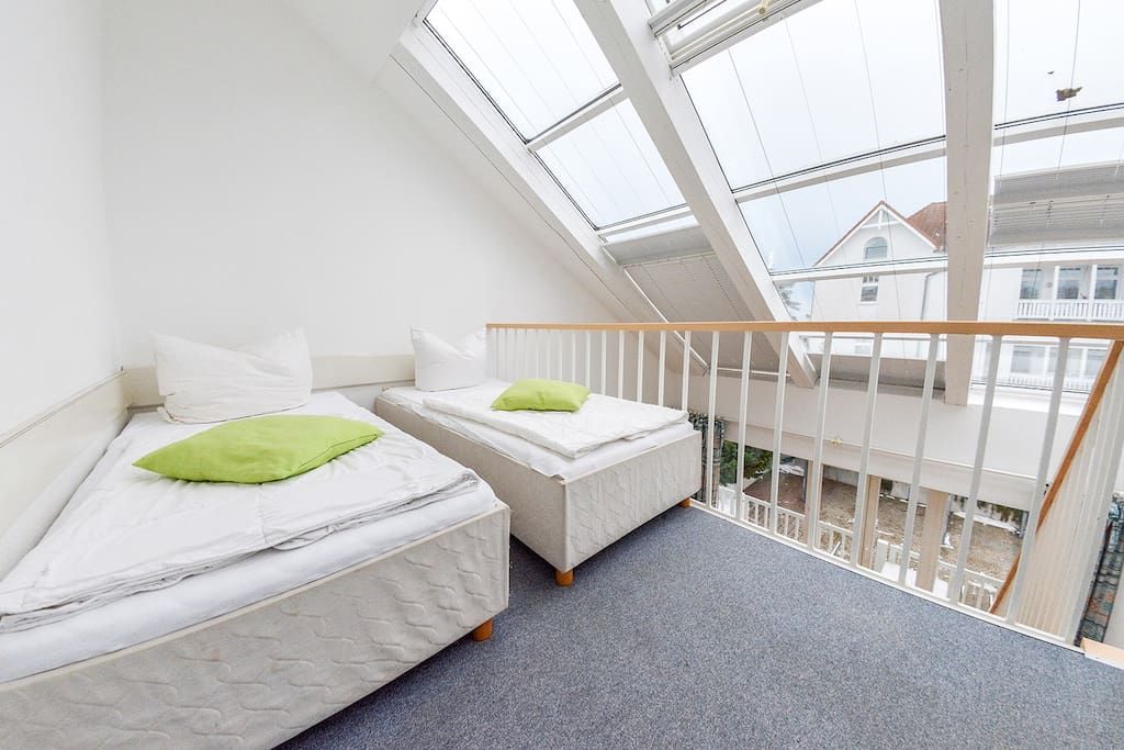 zusätzlicher Schlafbereich mit 2 Einzelbetten