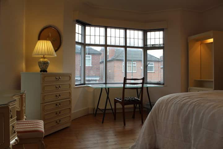 Lenton Lodgings. Close to City, Universities & QMC