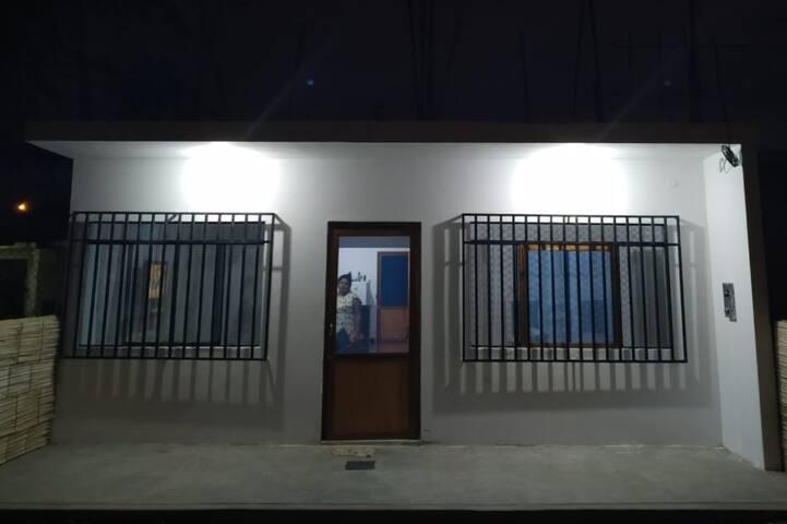 Casa entera - 3 camas  5 Min playa 15 de Ñuro.