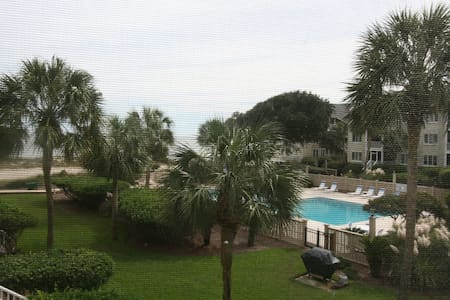 Ocean Breeze Villa - Isle of Palms