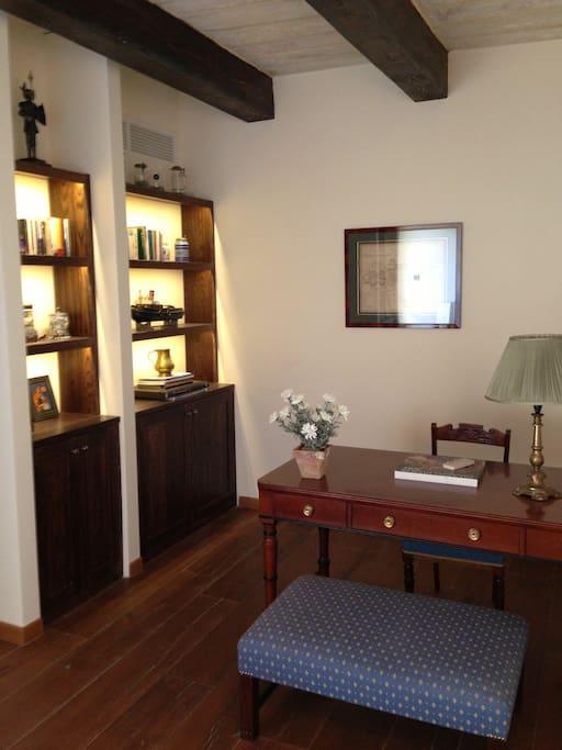 luxury 17th century palazzo suite 4 appartements louer la valette malta malte. Black Bedroom Furniture Sets. Home Design Ideas
