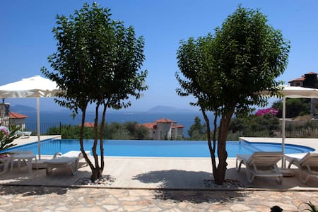 Mavi Manzara holiday home with pool - Kaş