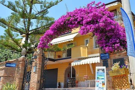 Residence Blue marlin*** - Marina