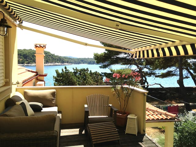 Seaside house on a tiny island - Mali Losinj - House