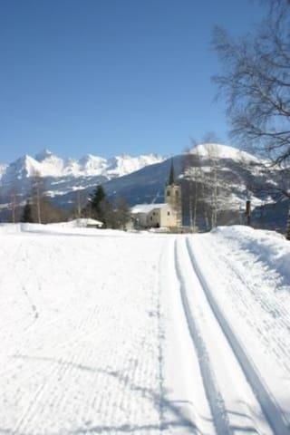 Casa di montagna panoramica e vicina alle piste.