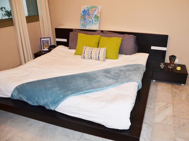 Nejoum Beirut Luxury Apartment (Private Bedroom 1)