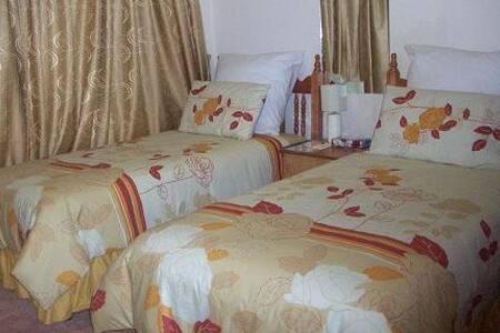 Twin Bedroom - Olifantsfontein