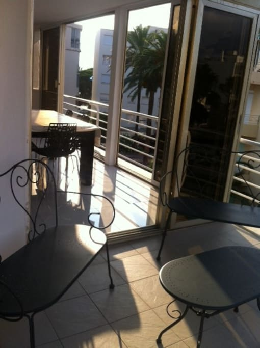 Terrasse et véranda ensoleillées