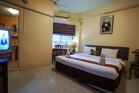 Chiangmai Guesthouse  Old Town - Changmoi - Bed & Breakfast