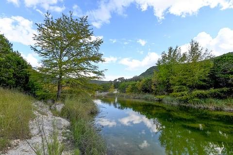Hilltop River Hideaway