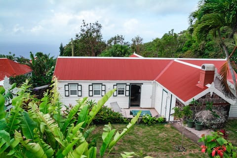 Beautiful traditional Saba Cottage