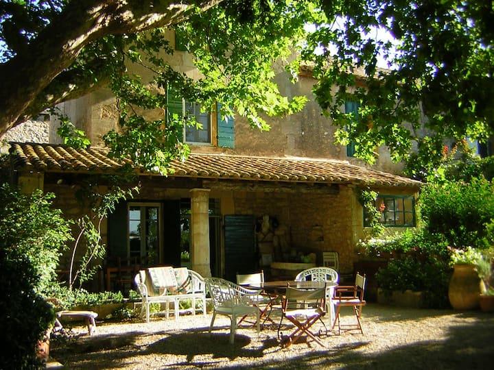 Mas XVIIIe au cœur de la Provence et des Alpilles