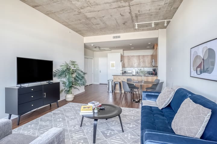 Stylish 2BR in Emeryville, Gym + Parking