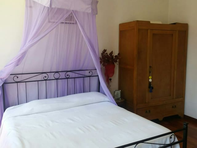 ROMANTIC DOUBLE ROOM WITH WIEW ON CANAL