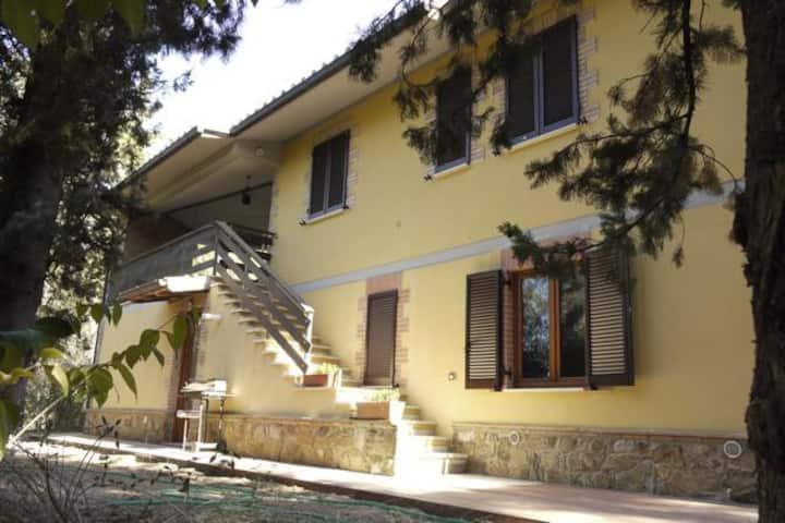 Intera villetta La Legnaia