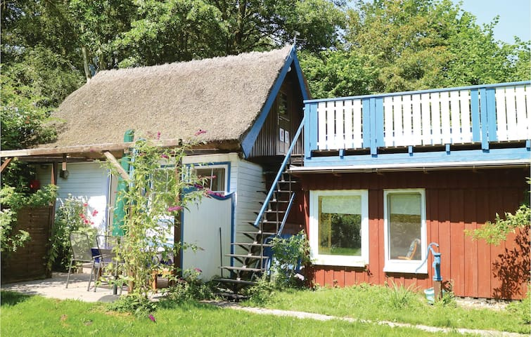 Holiday cottage with 2 bedrooms on 75m² in Prerow