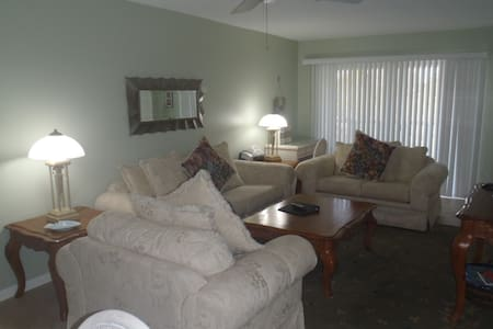 Feel the Tropical Breeze, Quiet, Comfortable, Great Rates - Sanibel - Appartement