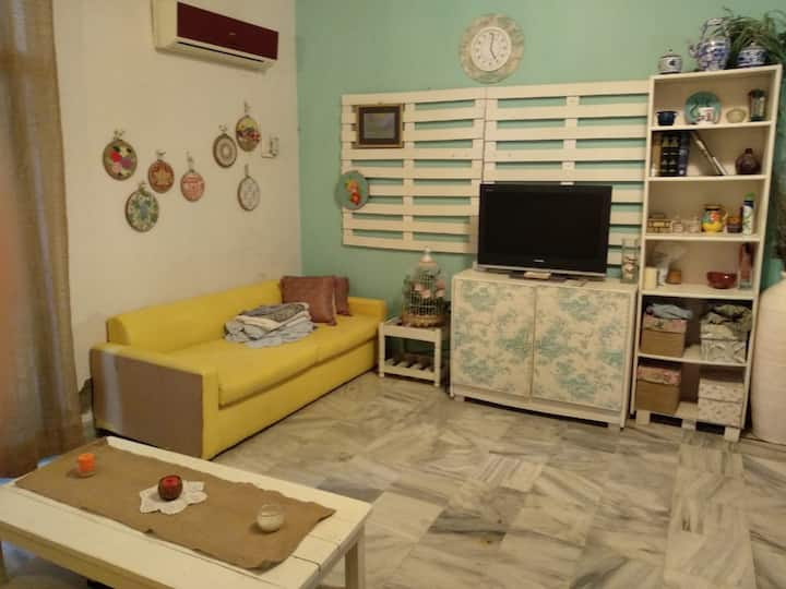 Cosy one-bed unit in DHA Karachi!