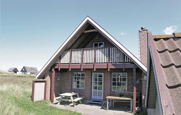 Holiday cottage with 3 bedrooms on 110m² in Hvide Sande
