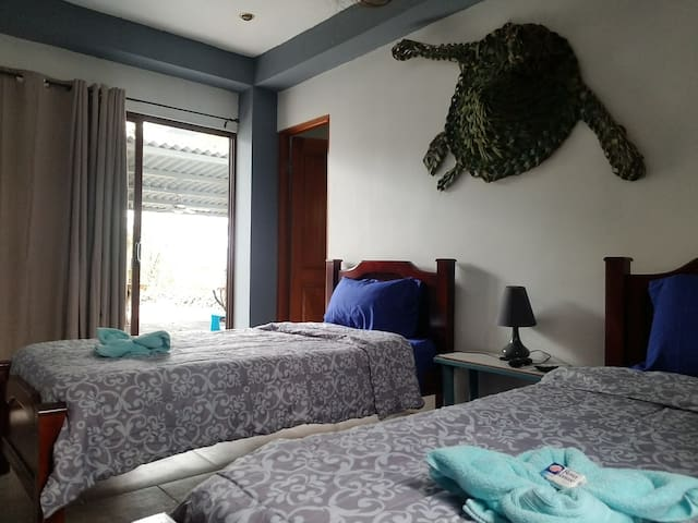 "Cambutal ""Tortuga"" Oceanfront Twin Beds"