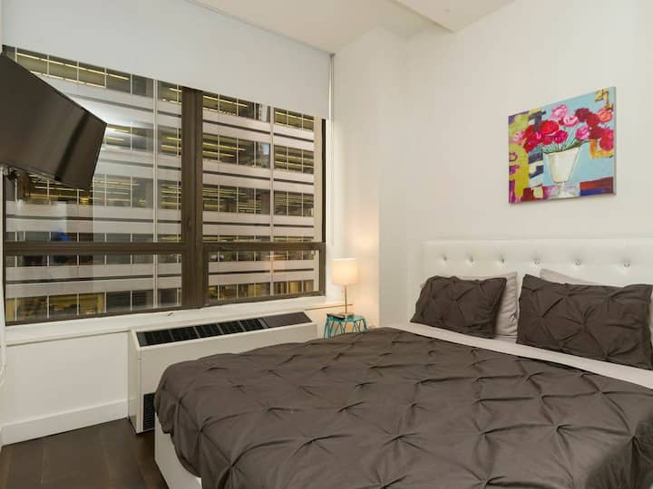 2 Bedroom Apt in Manhattan's Financial District