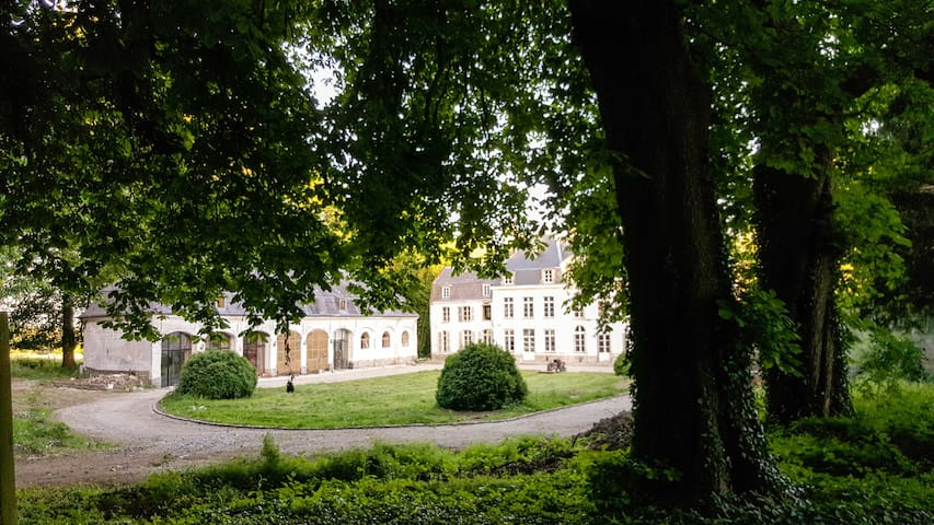 Cottage on a Castle Estate, near Montreuil sur Mer - Humières - วิลล่า