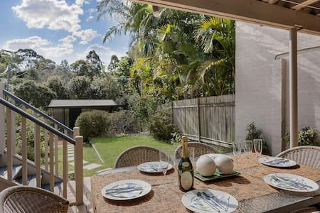 Spectacular House With Garden Deck and BBQ NAREM - Naremburn
