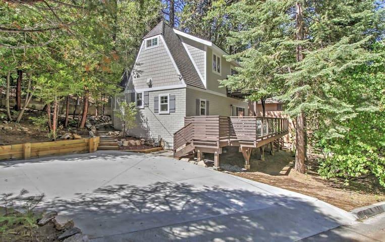 3BR Remodeled Lake Arrowhead Cabin in the Trees! - Lake Arrowhead - Hus
