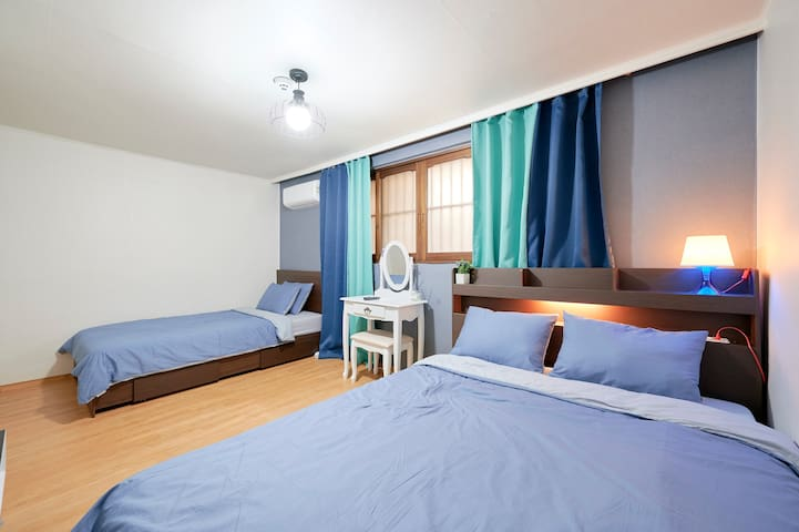 (New Open Sale)HongDae, 2Rooms, 3Beds. Home wifi